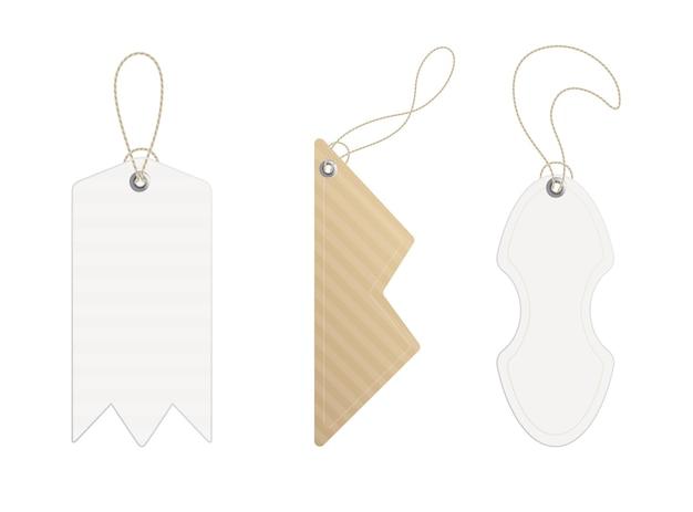 Étiquettes de prix. lot d'étiquettes avec cordon. prix du papier ou étiquettes cadeaux de différentes formes.