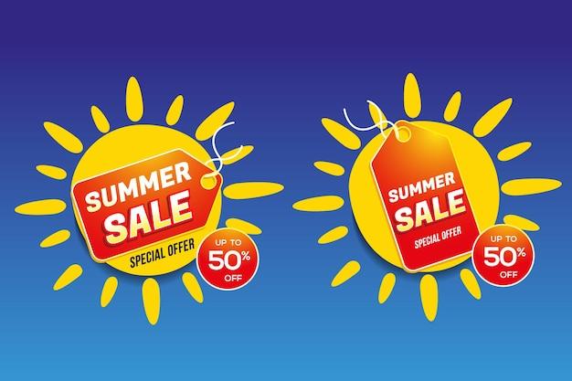 Étiquettes de prix rouges de vente d'été à l'intérieur d'illustrations de soleils jaunes sur fond dégradé bleu