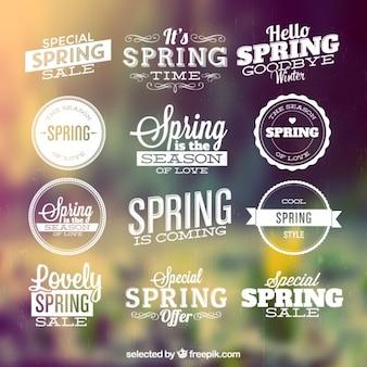 Les étiquettes de la saison de printemps