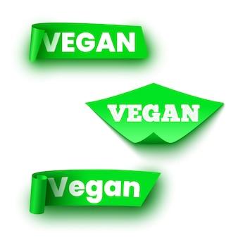 Étiquettes vertes de nourriture végétalienne. rouleaux de papier. des rubans.