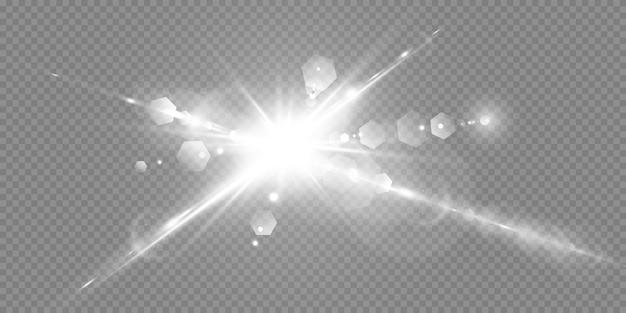 Étoiles brillantes isolés sur fond blanc transparent. effets, éblouissement, éclat, explosion, lumière blanche, ensemble. l'éclat des étoiles, de beaux reflets du soleil. .
