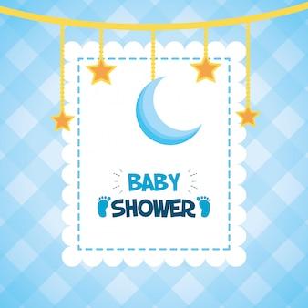 Étoiles suspendues et lune pour le baby shower