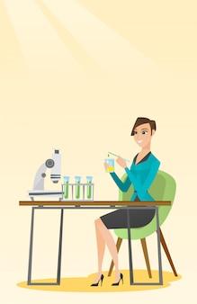 Étudiant travaillant en classe de laboratoire.