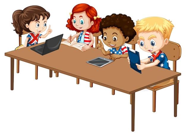 Les étudiants avec leur gadget électronique sur blanc
