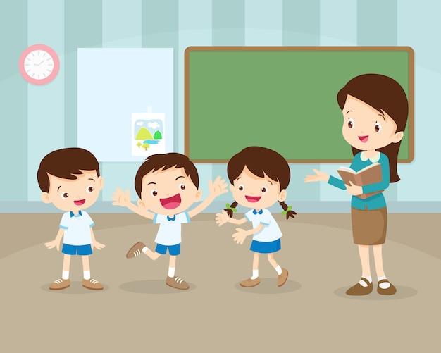 Étudiants, présentation, devant, classe