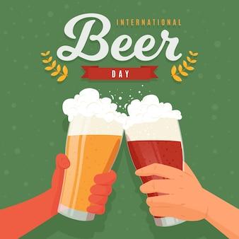 Événement de la journée de la bière avec les mains tenant des lunettes