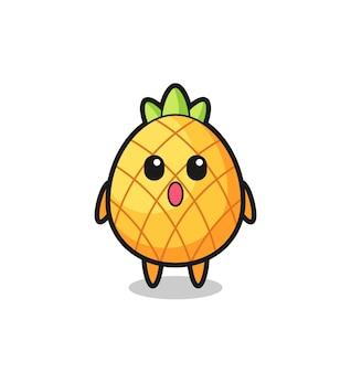 L'expression étonnée du dessin animé d'ananas, design de style mignon pour t-shirt, autocollant, élément de logo