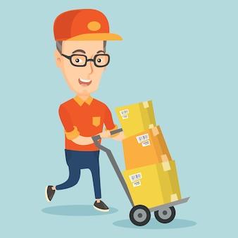 Facteur de livraison avec des boîtes en carton sur chariot.