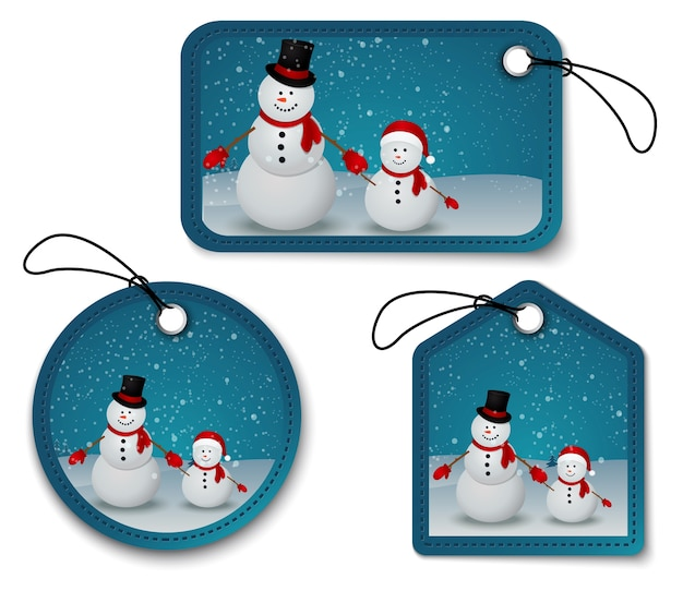 Famille de bonhomme de neige dans la scène d'hiver de noël avec signe