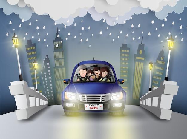 Famille conduite en voiture.