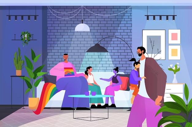 Famille gay parents mâles avec petits enfants passer du temps ensemble transgenre amour communauté lgbt concept salon intérieur horizontal pleine longueur illustration vectorielle