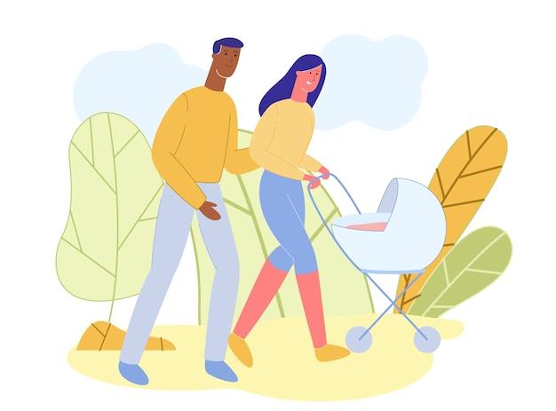 Famille heureuse, marcher avec une poussette en plein air