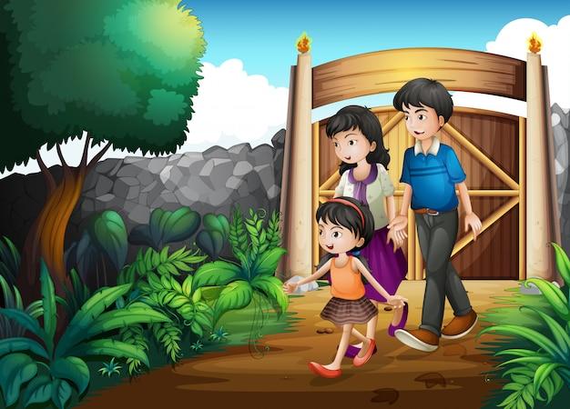 Une famille à l'intérieur du portail