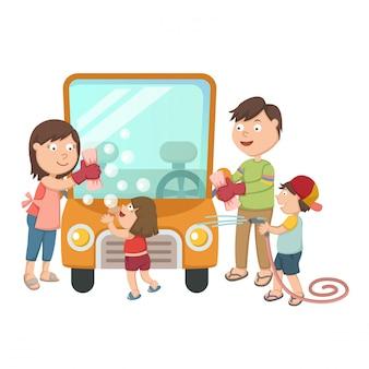 Famille lavant leur voiture