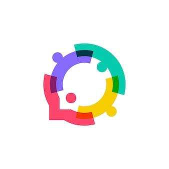 Famille de personnes ensemble logo de bulle de l'unité humaine
