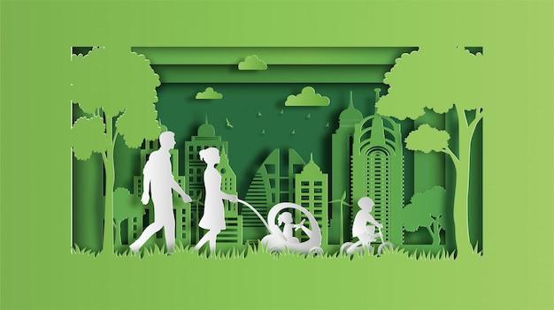Famille profiter de l'air frais dans le parc