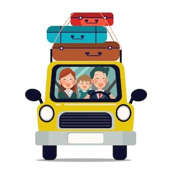 Famille en voiture pour aller voyager