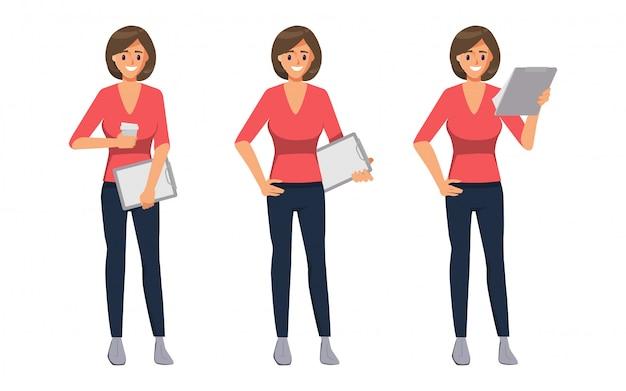Femme d'affaires de caractère tenant un jeu de pose de presse-papiers