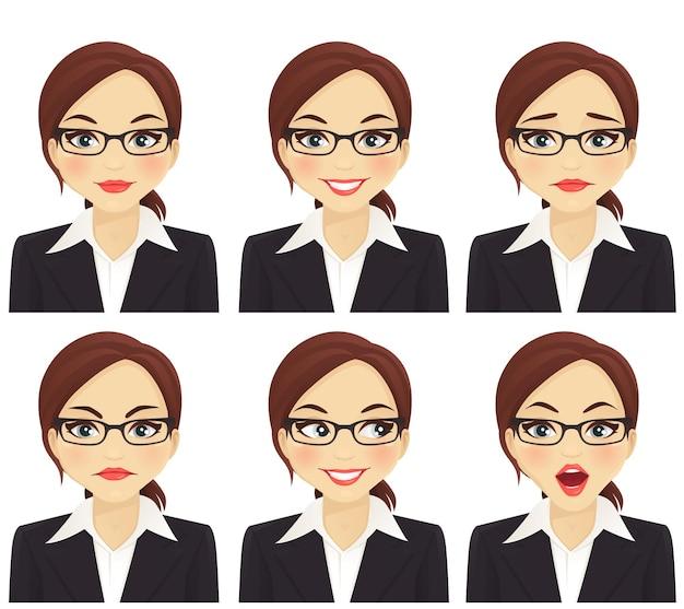 Femme d'affaires avec différentes expressions faciales définies isolées