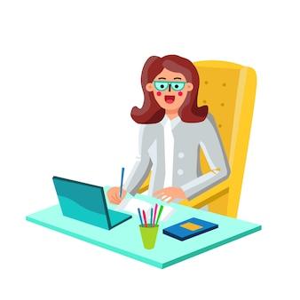 Femme d'affaires économiste travaillant sur ordinateur portable