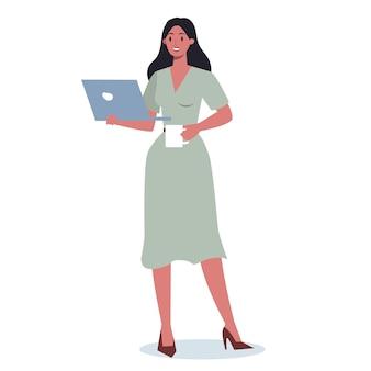 Femme d'affaires avec gadget. personnage féminin en costume tenant un ordinateur portable. internet et réseau dans l'appareil.