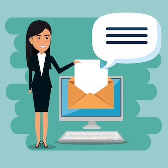Femme d'affaires avec des icônes de marketing par courriel