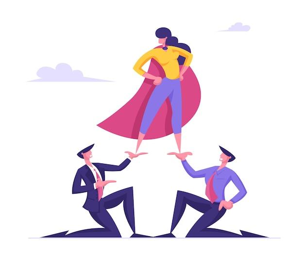 Femme d'affaires en manteau de super héros se tenir au sommet de la pyramide avec bras akimbo