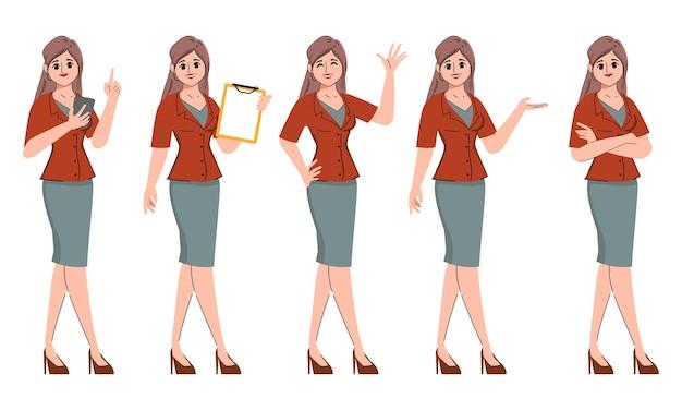 Femme d'affaires pose dans le caractère de bureau d'occupation d'emploi
