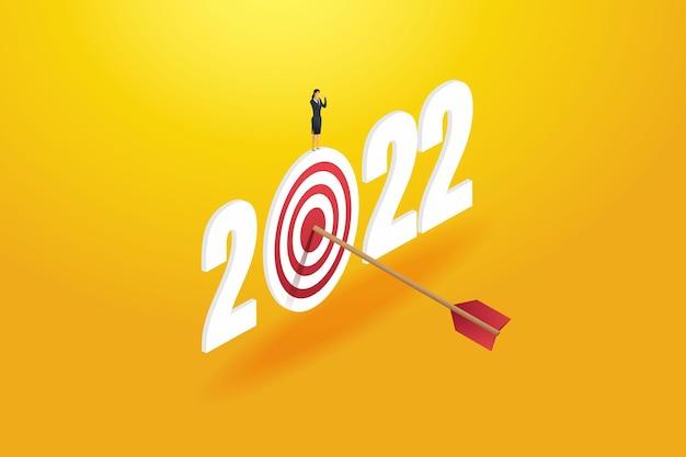 Une femme d'affaires prospère atteint ses objectifs pour 2022