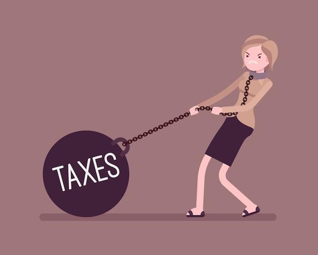 Femme d'affaires en traînant un poids taxes sur la chaîne