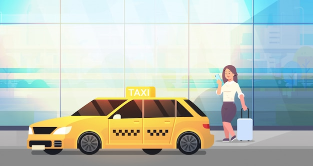 Femme affaires, utilisation, mobile, application, commande, taxi, rue, affaires, femme, habillement formel, bagage, jaune, taxi, ville, transport, service