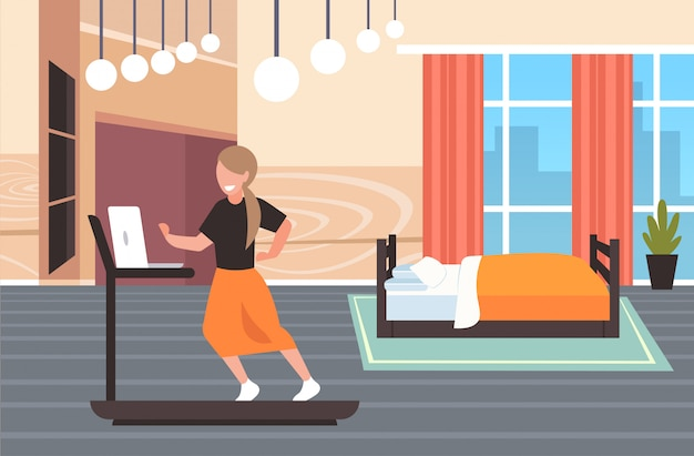 Femme affaires, utilisation, ordinateur portable, courant, tapis roulant, femme, indépendant, séance entraînement, dur, fonctionnement, concept, moderne, chambre à coucher, intérieur, pleine longueur, horizontal