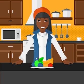 Femme avec des aliments sains.