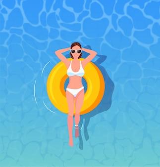 Femme, bains de soleil, vue dessus