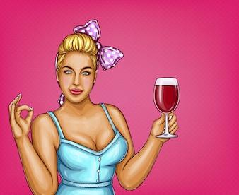 Femme blonde en surpoids détient un verre de vin. Grosse dame en blouse bleue, nœud papillon.