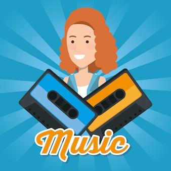 Femme avec des cassettes de musique
