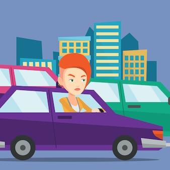 Femme caucasienne en colère en voiture coincée dans les embouteillages.