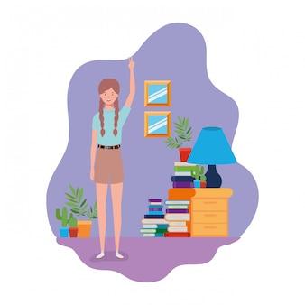 Femme debout avec une étagère en bois et des livres