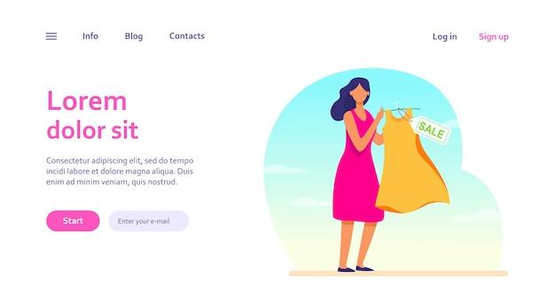 Femme de dessin animé tenant une robe à vendre. vêtements, rabais, modèle web de magasin.