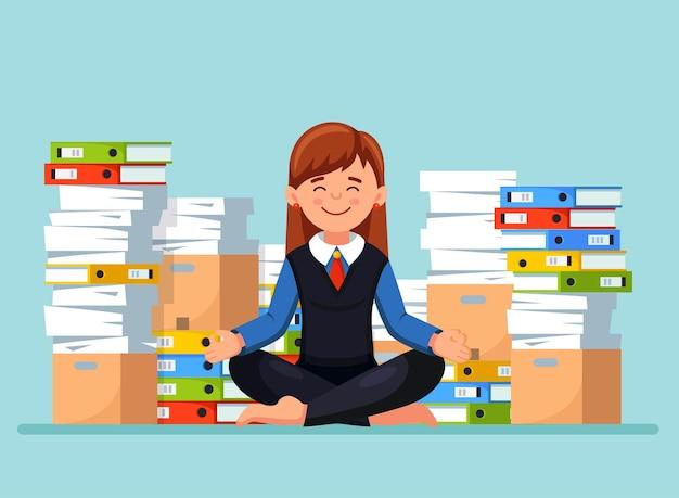 Femme, faire, yoga, près, pile papier, illustration