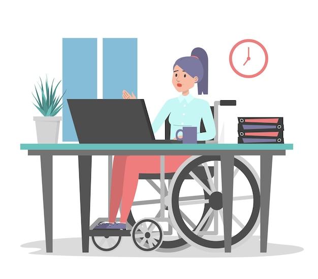 Femme en fauteuil roulant travaillant au bureau isolé