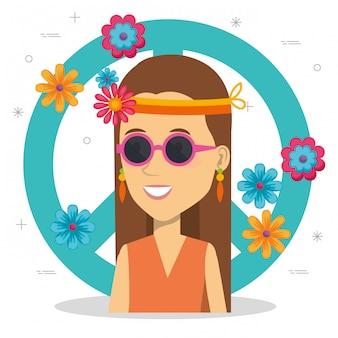 Femme hippie avec signe de paix et fleurs