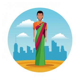 Femme indienne indienne ronde icône cartoon