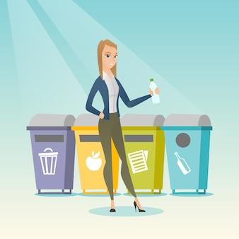 Femme jetant une bouteille en plastique.
