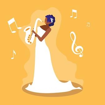 Femme jouant un personnage d'avatar de saxophone