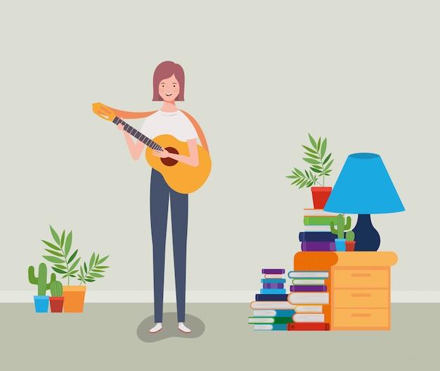 Femme jouant un personnage de guitare acoustique