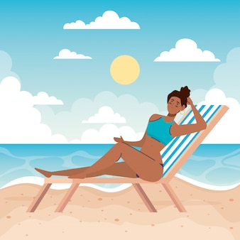 Femme, à, maillot de bain, dans, les, chaise, plage, vacances vacances saison