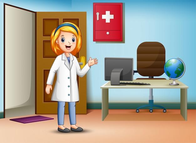 Femme médecin en uniforme dans son bureau