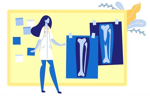 Femme médecin en uniforme en regardant des images radiographiques.