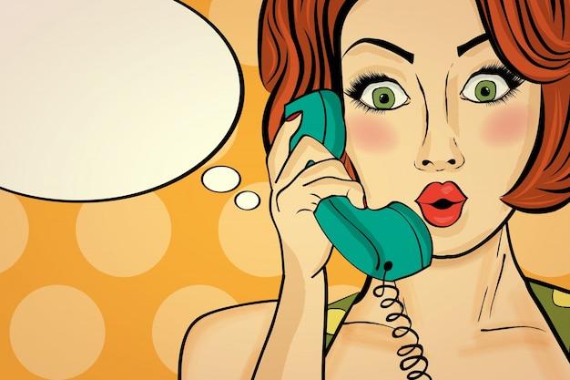 Femme pop art surprise sur un téléphone rétro